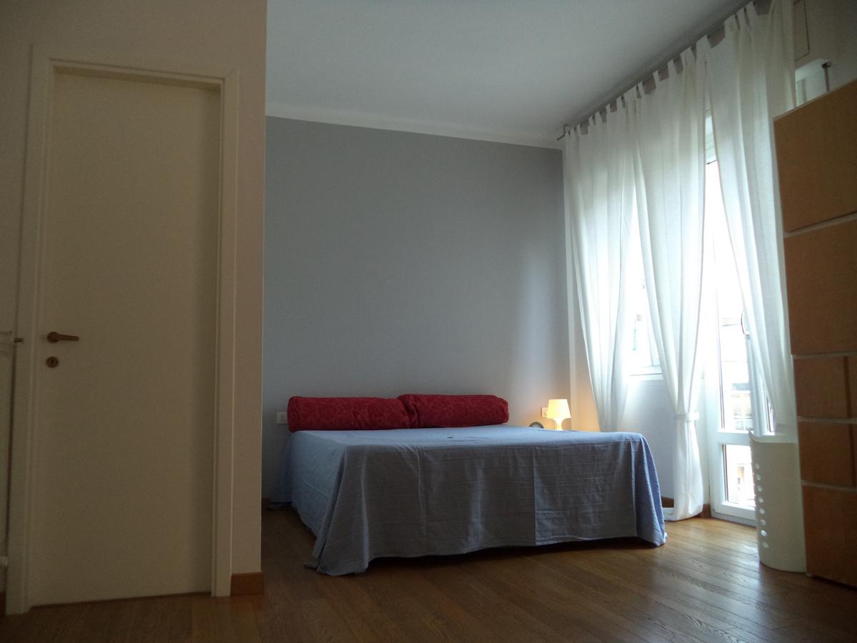 Casa C - Zona letto con lampada in vetroresina - Tommaso Vecci
