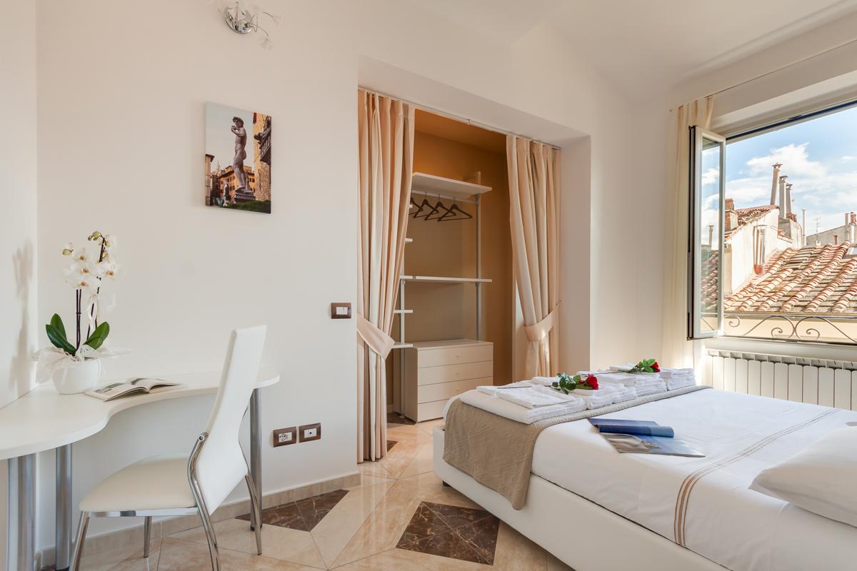 Casa DM1 - Camera da letto con cabina armadio e angolo studio - Tommaso Vecci