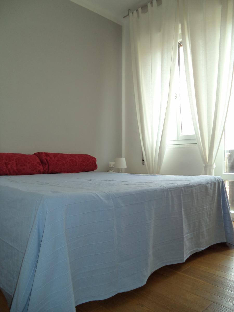 Casa C - Zona letto con tende in lino - Tommaso Vecci