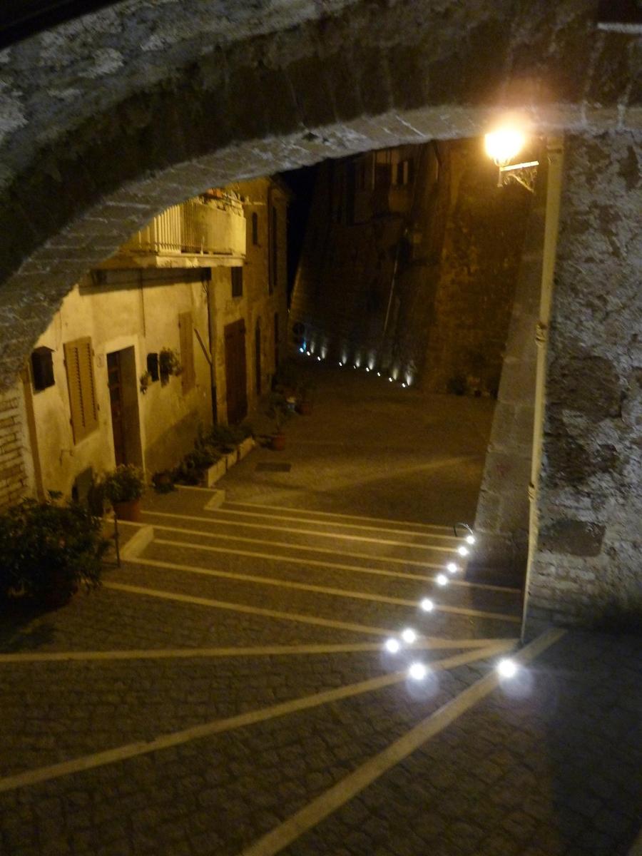 Via di Pianiano, vista notturna della scalinata - Tommaso Vecci