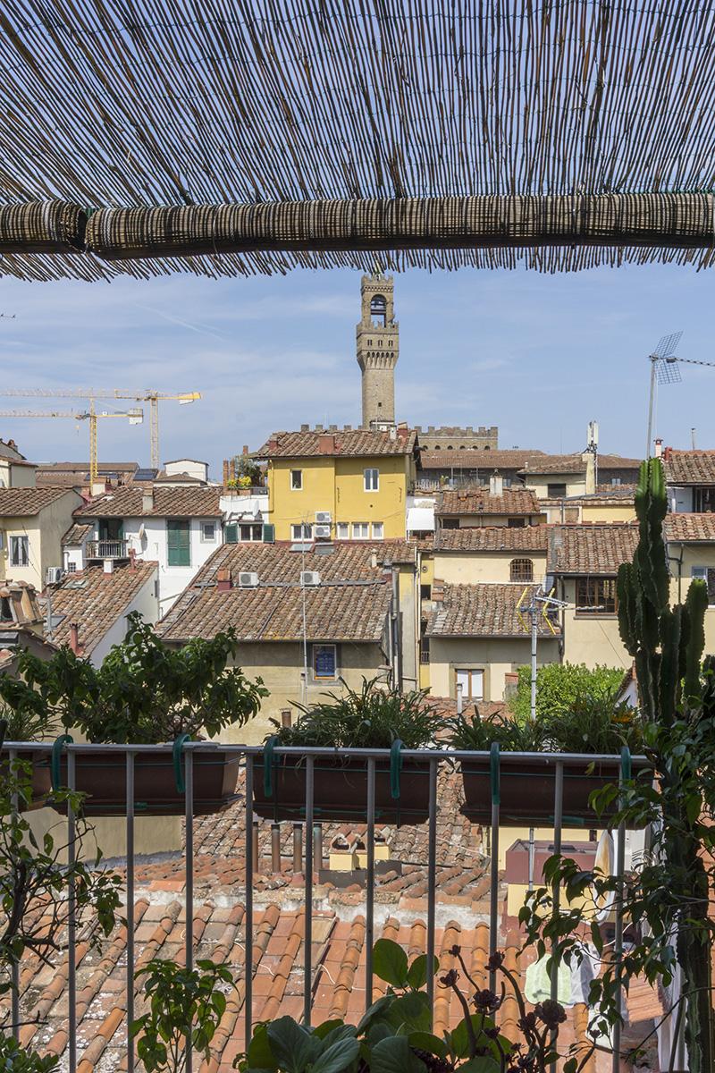 Casa E - Dettaglio della terrazza con vista su Palazzo Vecchio - Tommaso Vecci